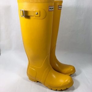 Hunter Original Yellow Rain Boots Size 6 Pull On